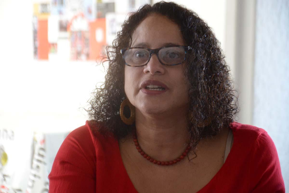 Luciana Santos defende construir caminho de unidade e amplitude