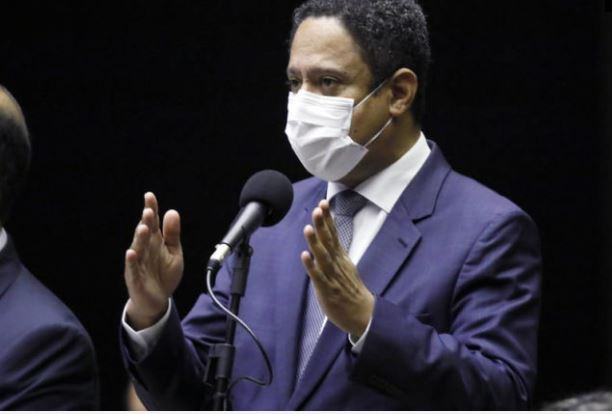 Orlando Silva: teremos mais uma semana de fritura do governo Bolsonaro