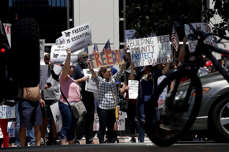 Médicos advertem sobre risco da convenção de Trump na Flórida