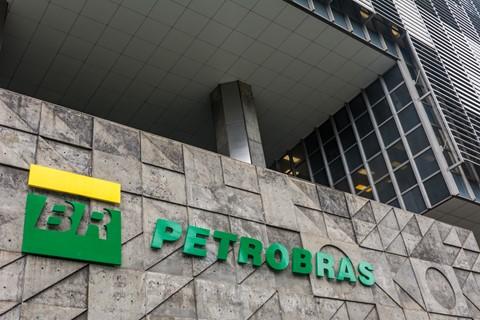 Economista considera difícil redução de preços dos combustíveis